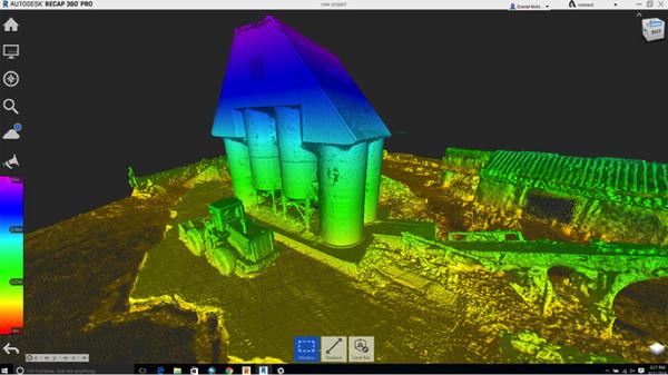 AutoDesk 軟體將無人機數據和施工現場圖像結合,塑造出 3D 建築模型。