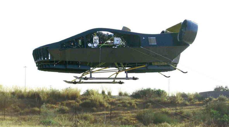 Cormorant 自駕無人機的機底裝設起落架,在降落前會自動張開以作緩衝,讓著陸時變得更加平穩。