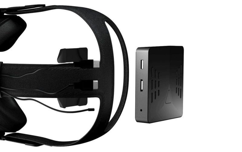 四方外形的 Rivvr 能夠以 USB、HDMI 和電源線連接 VR 眼鏡,從而達到無線 VR 體驗。
