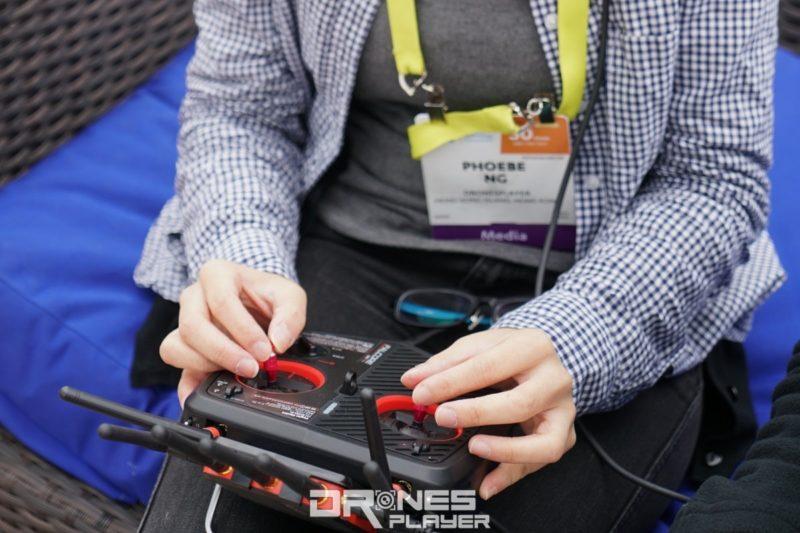 DronesPlayer 記者伍彤試玩 Amimon Connex Falcore!單靠 FPV 畫面輔助飛行真是挺不易的…