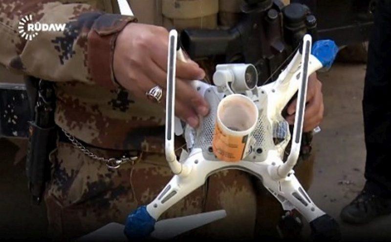伊斯蘭國利用疑似 DJI Phantom 4 航拍機投擲土製炸彈,可造成無差別殺害。