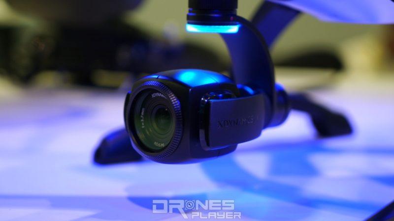 Evolve 無人機機底設有 4K 航拍相機,其雲台採用快拆式設計。XDynamics聲稱,用家在無需任何工具輔助下,即可在 3 秒內將之拆卸,以供換上廠方特製的全景相機或微單眼相機(按:首圖中Evolve 所裝配是微單眼)。