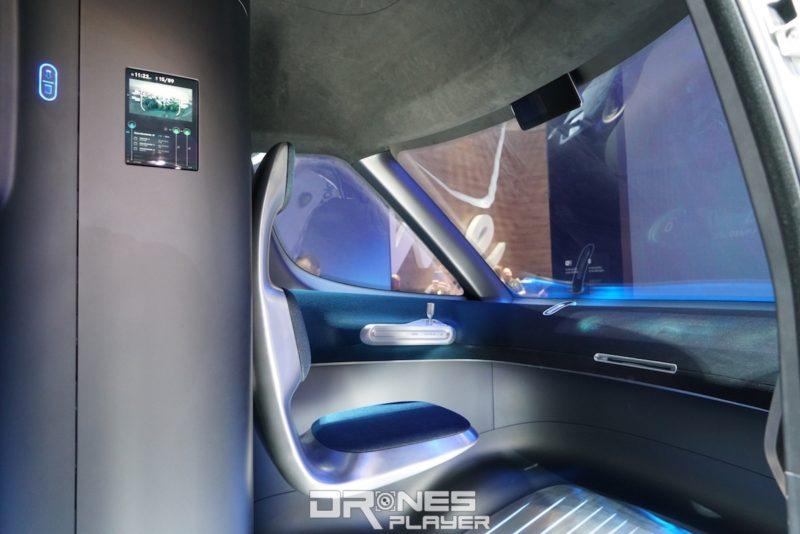 Vision Van 概念車內建全自動駕駛系統,能以無人駕駛方式行駛,因車廂內不設方向盤。