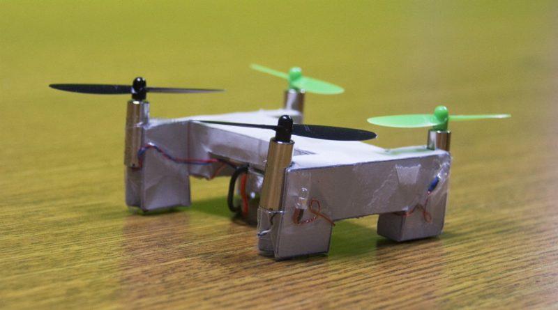Kitables 於 2015 年 6 月曾研發出紙製的小型無人機 Paper Drone。