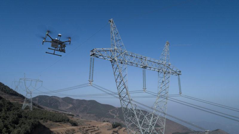 DJI M200 無人機可用於巡查架空電纜。
