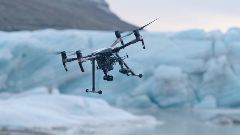 DJI M200 系列無人機可在飛行器底部裝設兩組不同型號的雲台相機,以應付不同的數據蒐集需要。