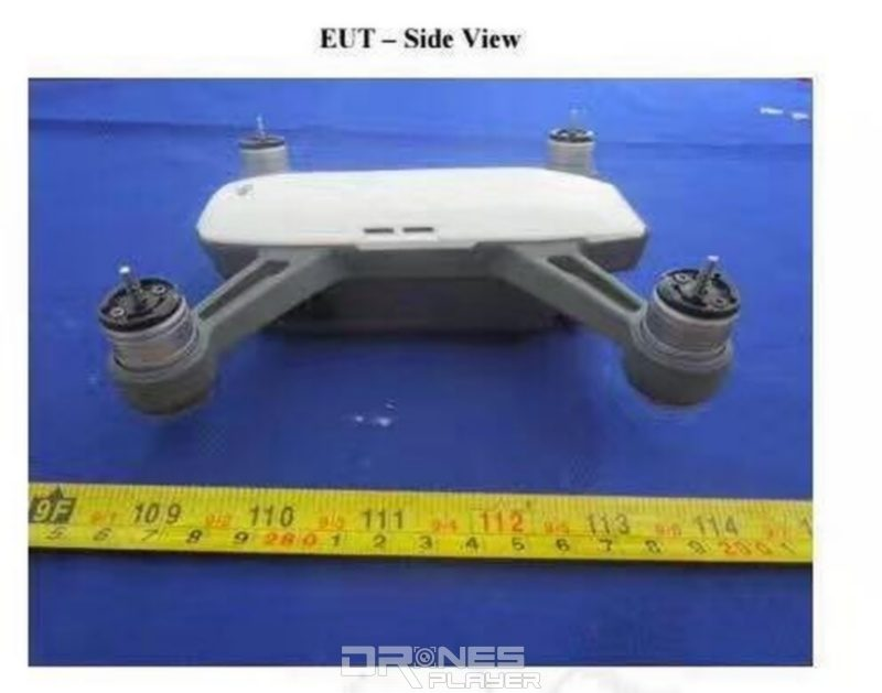疑似是 DJI Spark 四軸機的機身長度為 14 厘米左右,明顯比 Mavic Pro 為小。