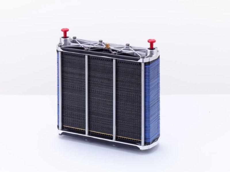Intelligent Energy 旗下的 AC64 氫燃料電池。
