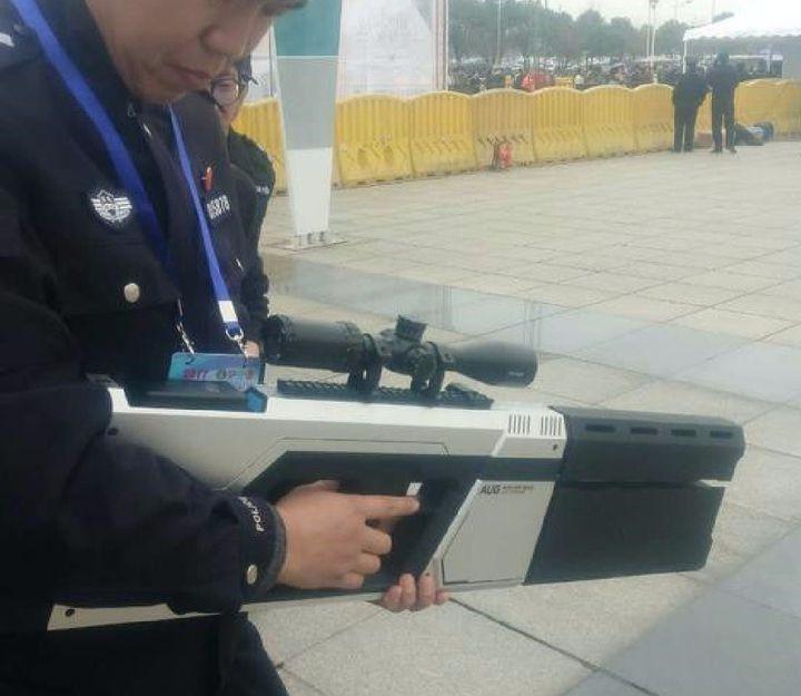 據悉反制槍操作簡單和便攜。