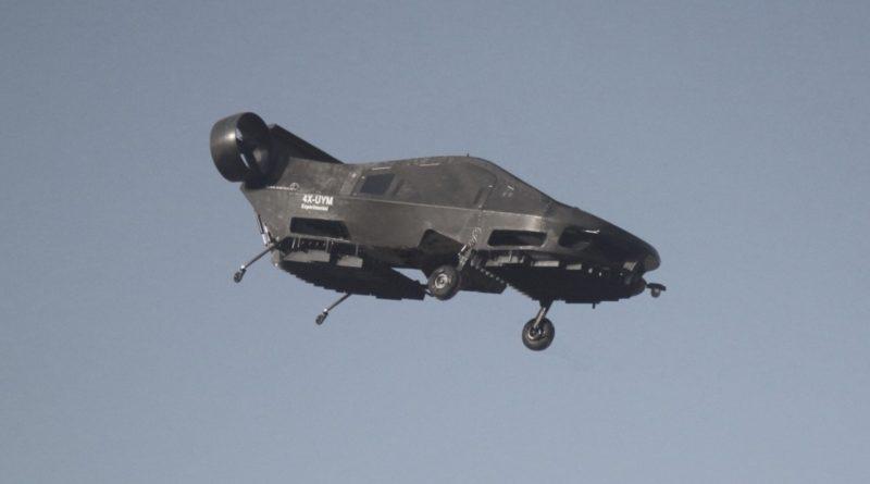 Cormorant 自駕無人機的底部設起落架以作著陸緩衝,至於 CityHawk 則似乎完全不設外置起落架,設計極具科幻感。