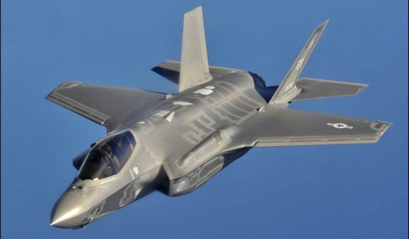 日後 F-35 戰機獲 F-16 無人機助戰,將可大幅提高偵察及作戰能力。圖中為美國空軍 F-35A。