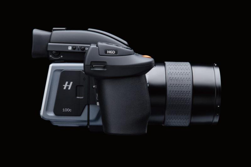 Hasselbald H6D-100C 具備 1 億畫素的拍攝解析度,裝備在無人機上,適用於藝術攝影、地形測量、繪製地圖等。