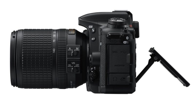 Nikon D7500 機身側面
