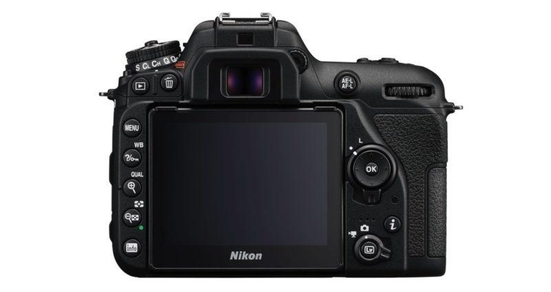 Nikon D7500 機背介面布局。