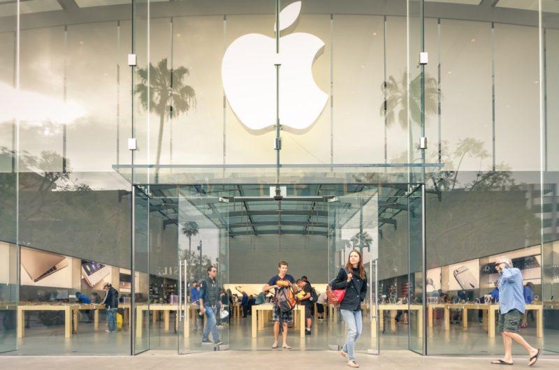 Hover Camera Passport 現已成功進駐 Apple Store 直營店,令其品牌形象頓時提升至另一檔次。