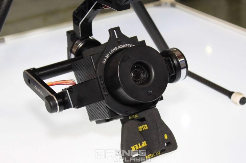 警用無人機底部搭載熱成像相機。