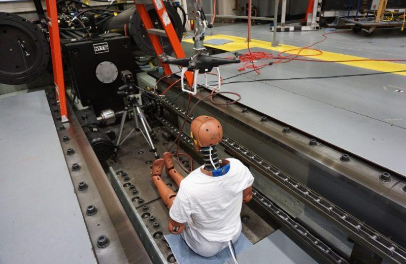 ASSURE 研究團隊製作了一個人偶,以供進行無人機撞擊測試,並在人偶前方架設了攝錄機,記錄撞擊過程。