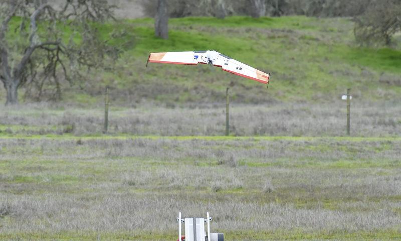 喬治亞理工研究院與美國海軍研究生院以集群無人機對壘 - Ritewing Zephyr 固定翼無人機