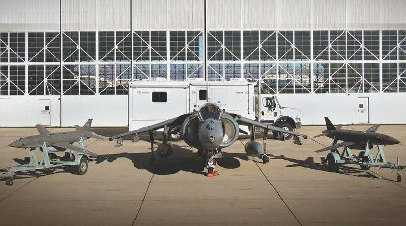 早在 2015 年底,UTAP-22 曾跟美國海軍陸戰隊 AV-8B 進行協同飛行。