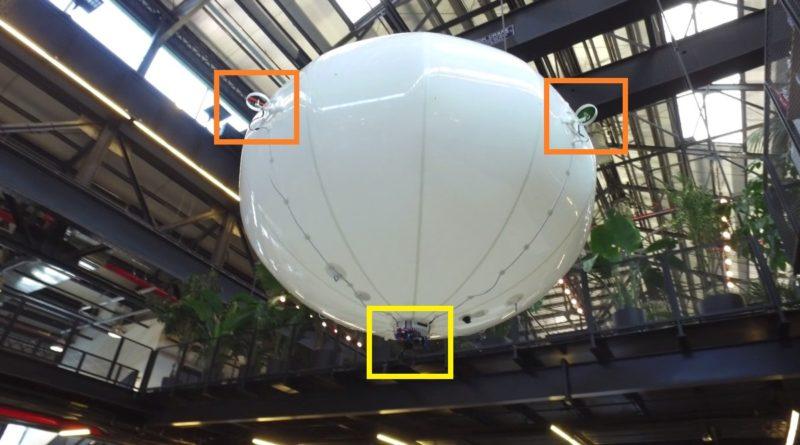 Spacial Halo 的氣球機身上裝設了 4 組小型旋翼(橘色),用作控制移動方向;底部則掛載DJI Zenmuse X5雲台相機(黃色),可拍攝 4K 畫質的空拍圖像。