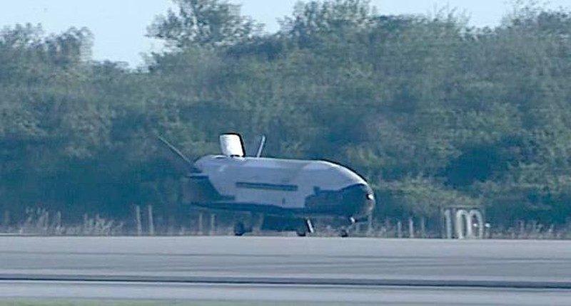X-37B 太空無人機在佛羅里達州的甘迺迪太空中心降落時,產生「音爆」(Sonic Boom)巨響,嚇倒當地居民。