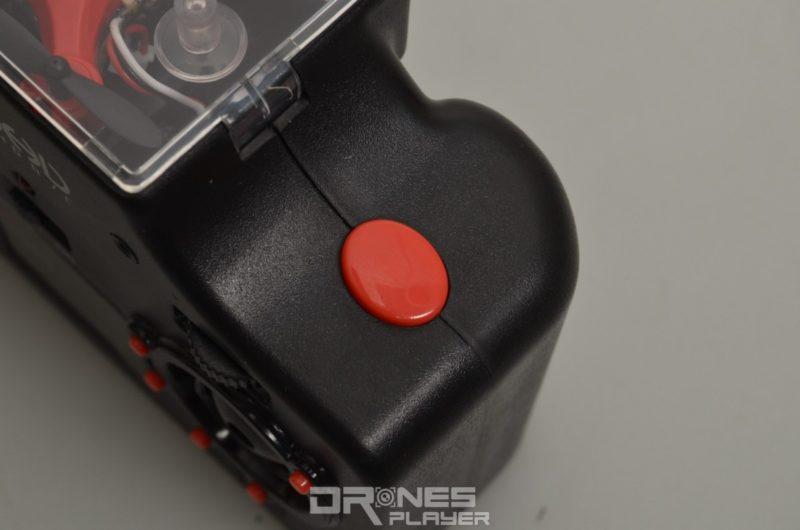 無論在「相機」或「航拍機」模式下,用戶均可按下 DHD D2 控制器的快門鍵,下達拍攝指令。