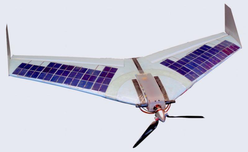 SUWAVE 無人機主要由核心機體和主翼兩部分組成,其中主翼表面鑲滿太陽能板。