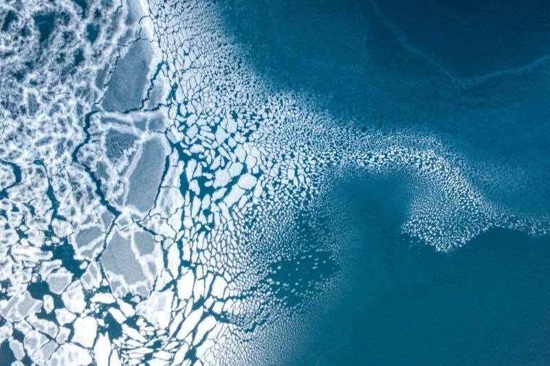 自然組季軍:Ice formation(冰塊形成),Florian 攝