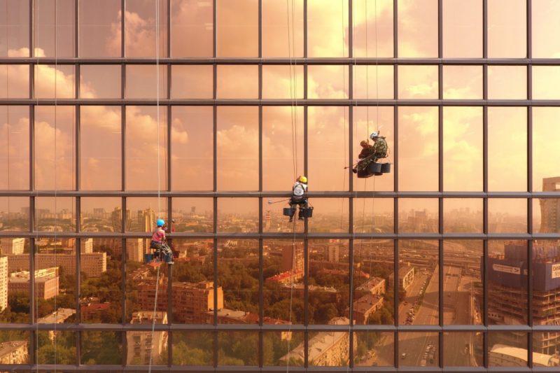 城市組亞軍:Dawn on Mercury Tower(水銀大廈曙光),alexeygo 攝