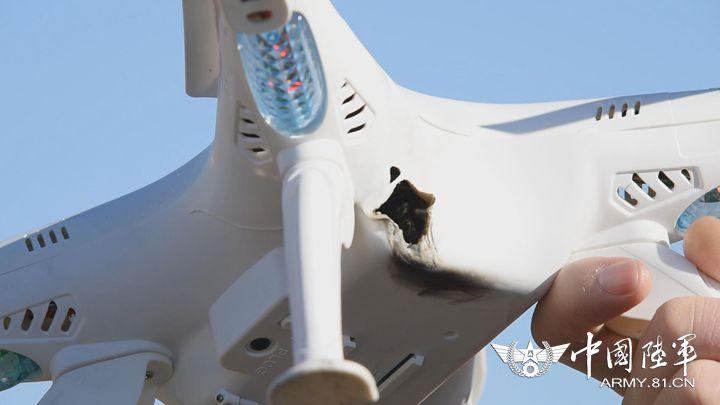 「要地近距淨空防禦系統」可發射激光將無人機擊落。
