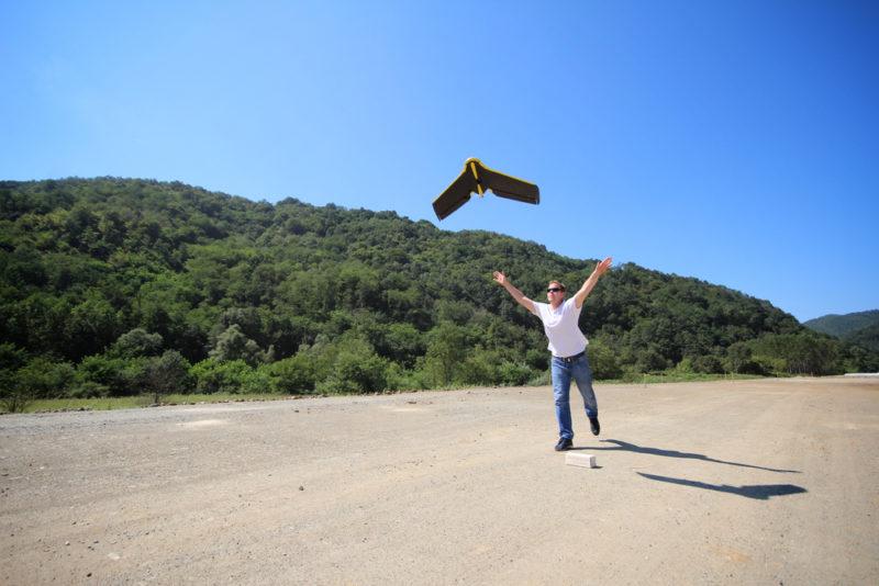 今次科學家採用由瑞士公司 senseFly 生產的固定翼無人機 eBee 進行研究。