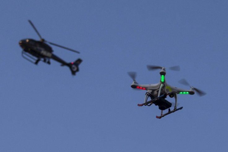 護林員估計當時無人機與直升機只有 50 米距離。