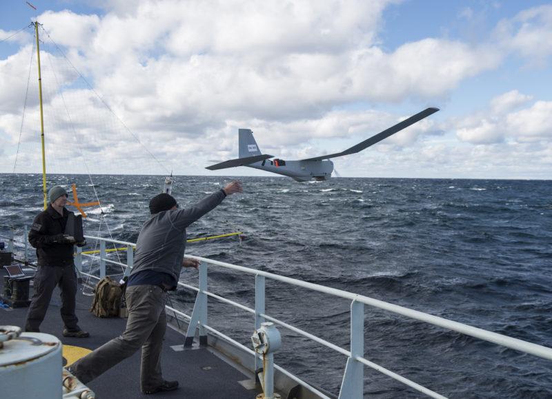 作為全天候無人機,「美洲獅」無人機能在陸地、冰面和艦艇上進行升降。