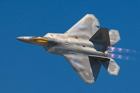 有了 BCAN 的幫助,F-22 猛禽式戰鬥機和 F/A-18 黃蜂式戰鬥攻擊機就能與其他機種保持聯絡。
