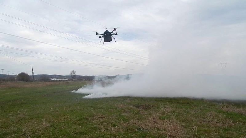 有了「催淚」無人機,示威者未衝到圍牆前,前線部隊就可遠距離驅散人群