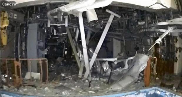 從圖片可見,三樓損毀跋重。