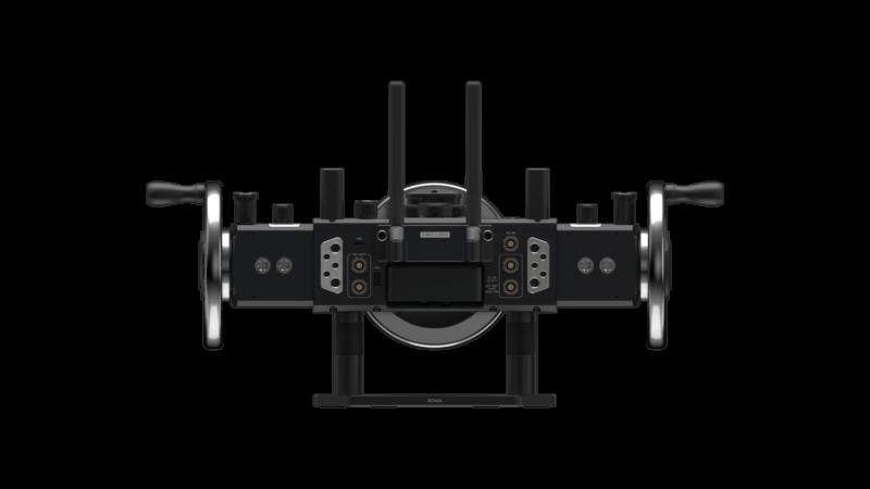 主控制台預留多組1/4-20和3/8-16標準安裝孔,可安裝監視器、圖傳等第三方設備。此外控制台上配有標準「Mitchell」介面轉接件,能將Master Wheels安裝到三腳架、汽車等設備上,滿足不同場景的拍攝需求。