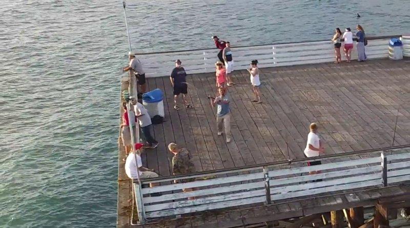 一名漁友「釣」得 Tice Ledbetter 的無人機