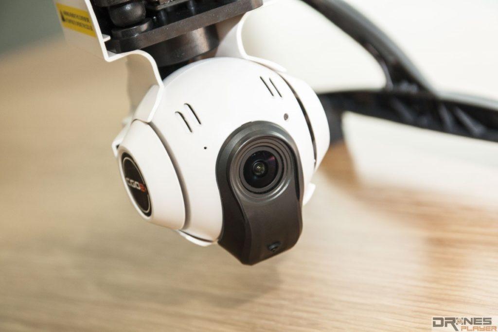 航拍攝影機比前作有所改進,解素高了,視角也收窄了,減少變形問題。