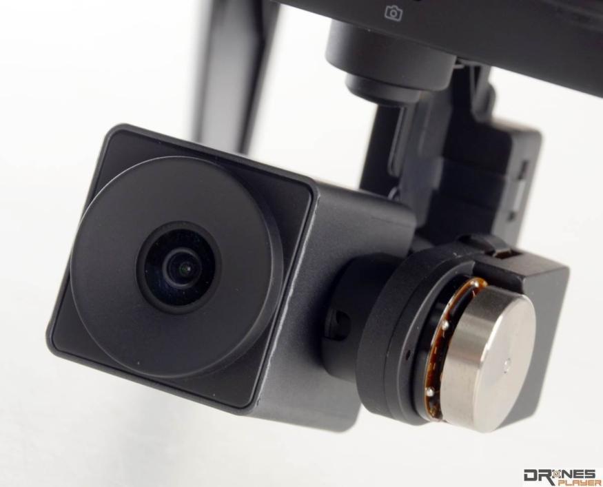 以掛載於航拍機上的原廠攝影機而論,XIRO Xplorer V 的航拍攝影機有不俗質素。