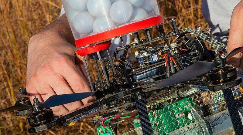 無人機為保育噴火球