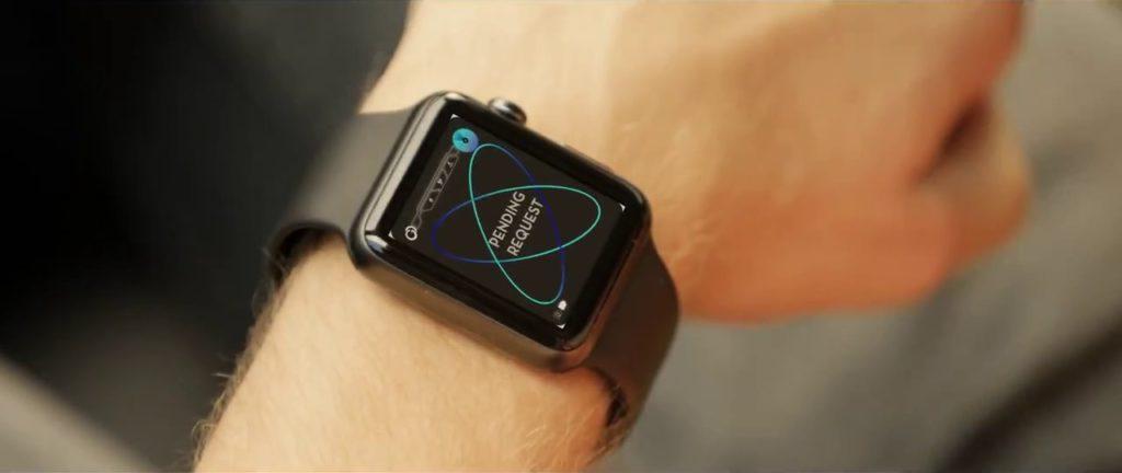 經由 Apple Watch 要求追蹤其他人