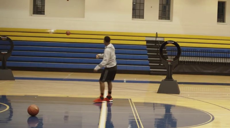 NBA 球星 Kyle Lowry 用籃球擊落無人機