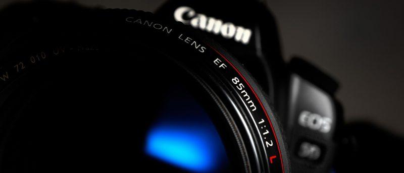 Canon 或研發鏡身加機身雙重防震系統
