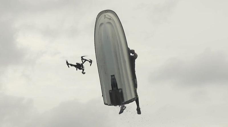 水上電單車撞無人機