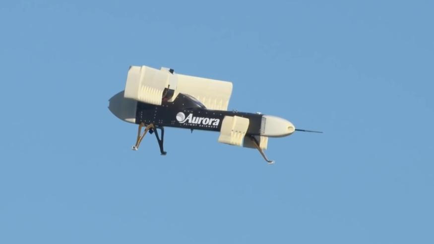 LightningStrike 原型機在空中懸浮時穩定性頗高。