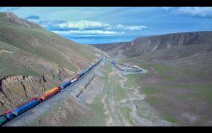 瘋狂的楊林表示,用小米無人機航拍了從青海回北京時堵車盛況。