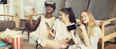 Galaxy Note 7 或兼容 Google Daydream