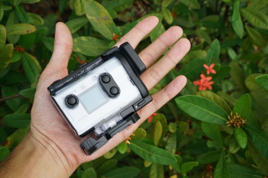 Sony FDR-X3000 是首部引入光學防震系統的運動相機。