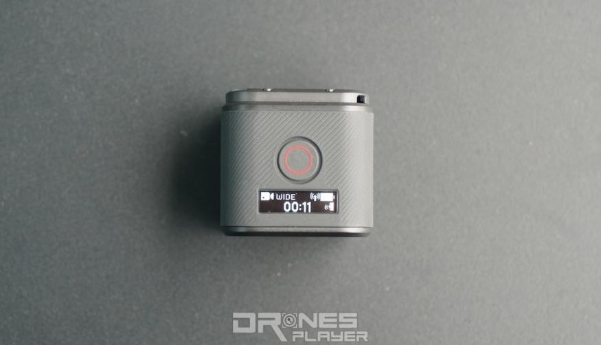 Hero 5 Session 頂部設有小屏幕,可顯示基本的拍攝資訊。